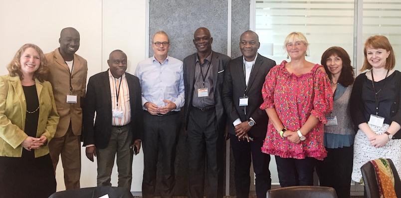 Les professeurs Ernest Sumaili et Pius Kabututu à une formation sur le fonctionnement d'une revue scientifique